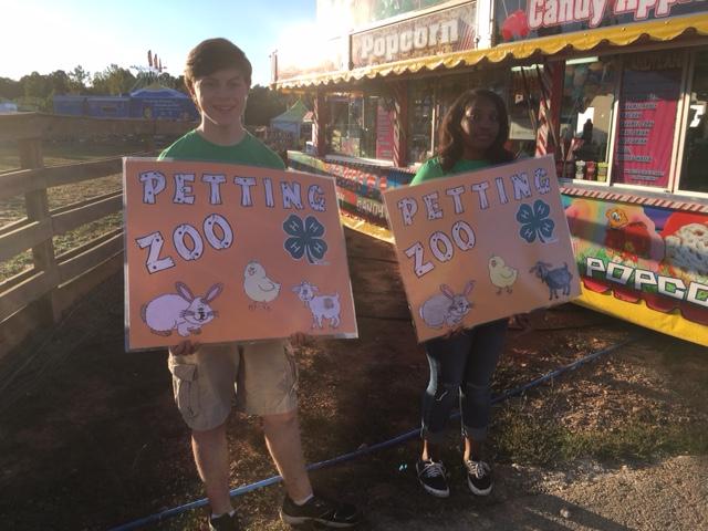 4-H Petting Zoo